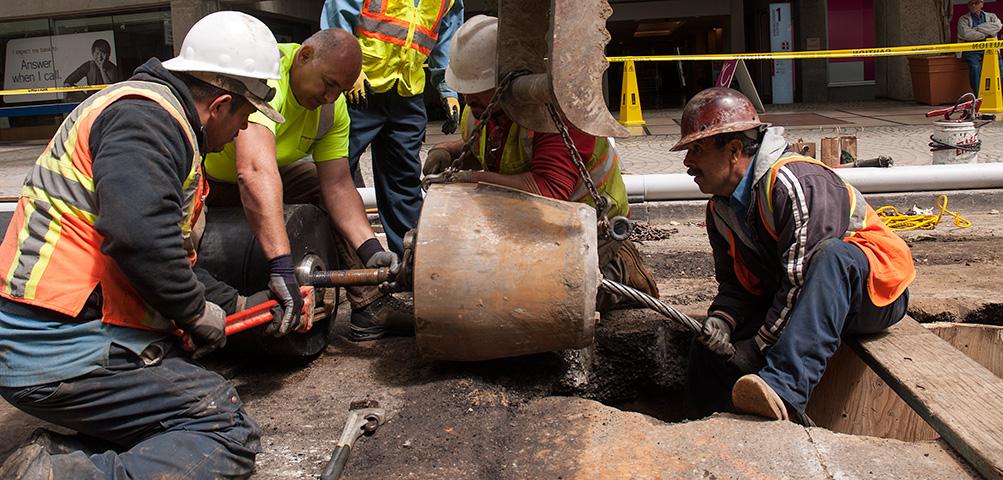 Pipe Bursting municipalities equipment Trenchless Repair